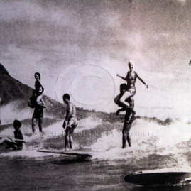 California Surf Museum Showcases Women on Waves 2011