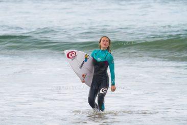 Nikki Van Dijk free surfing.