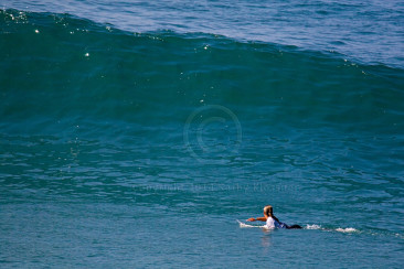 Sally lining up to take a wave at the US Open.