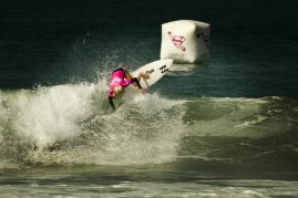 Laura Enever getting air at the Supergirl Pro.