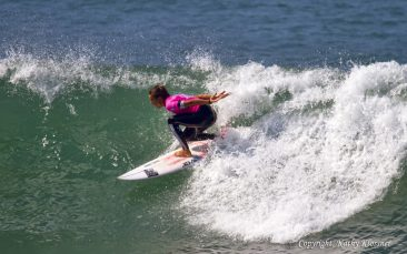 Sally Fitzgibbons charging like a wave warrior.